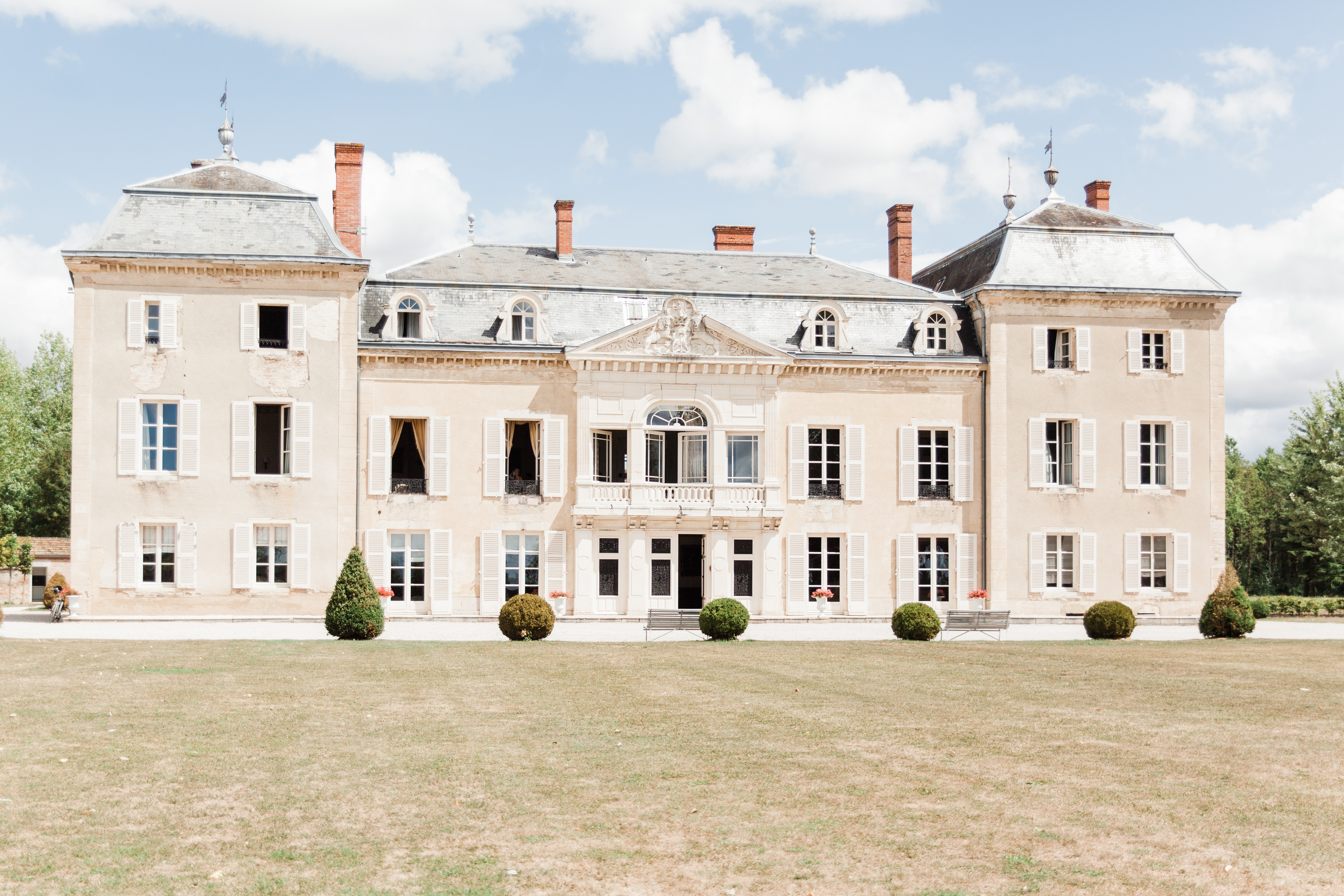 american wedding at chateau de varennes. Black Bedroom Furniture Sets. Home Design Ideas